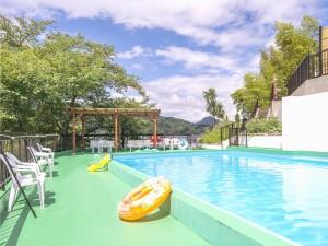 屋外プール(夏季のみ)ニュー八景園の画像