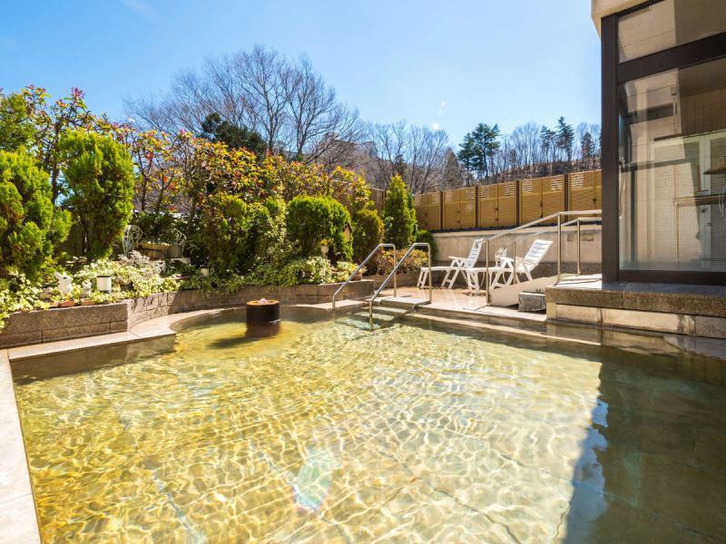 ガーデン野天風呂