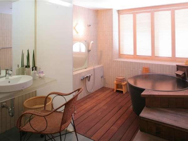 半露天風呂(温泉)付き客室多々見の画像