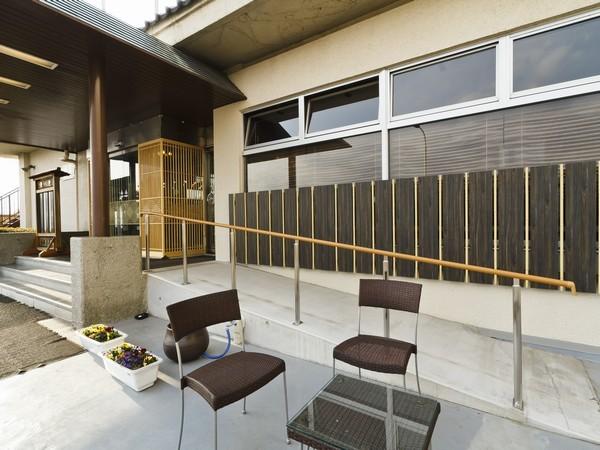 本館エントランス(スロープ)富士野屋 夕亭の画像