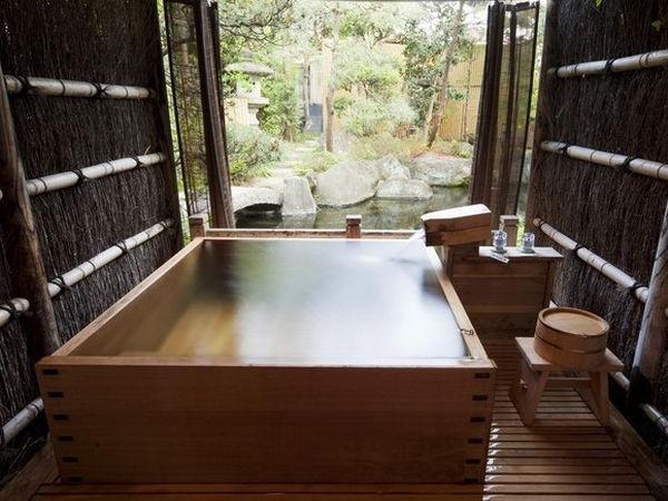 露天風呂付 特別室 客室檜風呂富士野屋 夕亭の画像